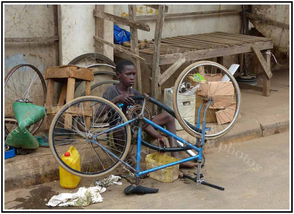 LOW-RES-GAMBIA-Banjul-marke